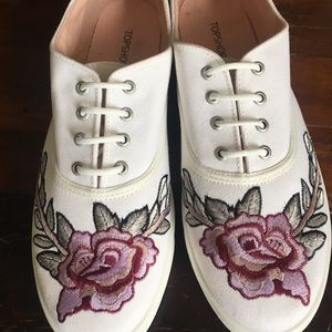New Topshop Size 10 Embroidered Sneakers